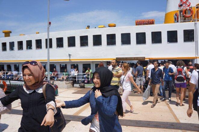 Débarquement du ferry aux îles des princes. © Laure Siegel