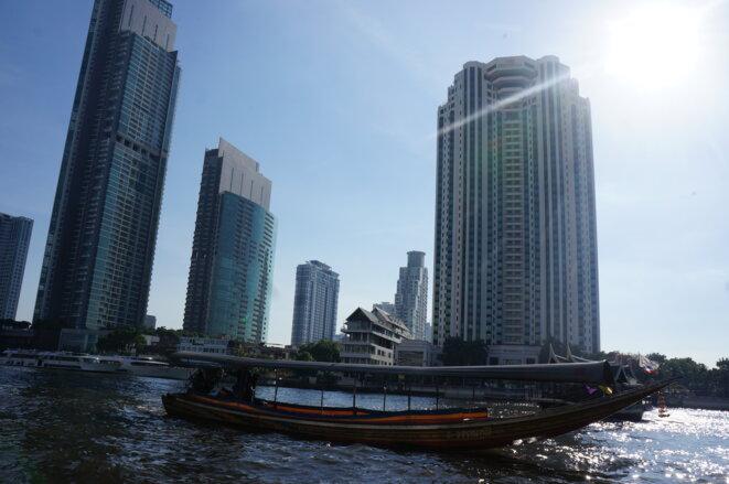 Bangkok - Sur le Chao Praya © Laure Siegel