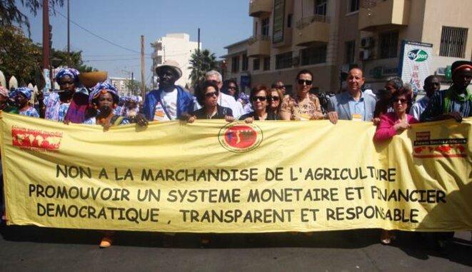 Manifestation d'ouverture du Forum Social Mondial de Dakar © Alter-Echos
