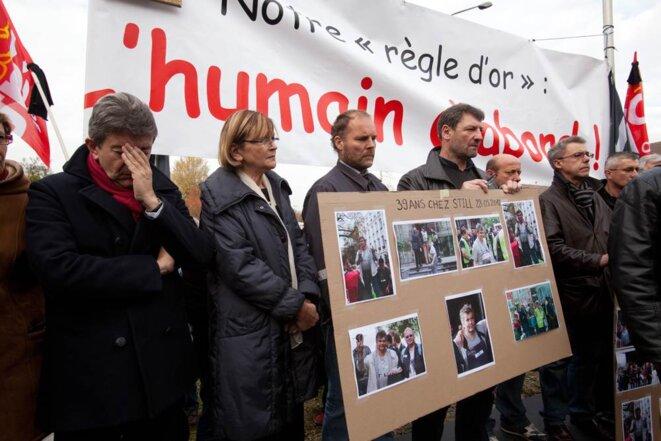 Front de gauche rends hommage à José Montero devant l'usine de Still à Montataire; 18/11/11. © Thomas Haley