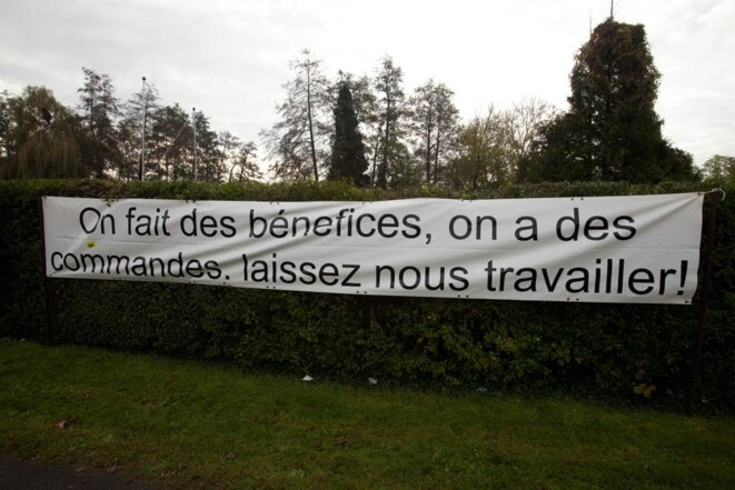 Banderolle devant l'usine Still-Saxby à Montataire; le 18/11/11. © Thomas Haley