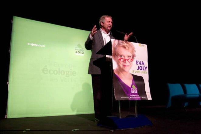 José Bové présente Eva Joly lors du meeting publique à Caen; le 3/02/12. © Thomas Haley