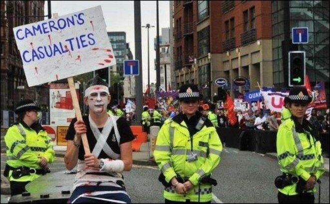 GB-manifestation-de-35.000-personnes-au-premier-jour-du-congres-des-Tories_reference.jpg