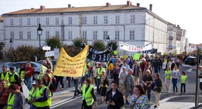Chacun des 3000 manifestants est conscient que Vinci est à deux doigts de réussir son coup (Céline Lemoine)