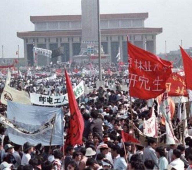 """1989, place Tienanmen... « C'est l'esprit de rébellion des années 60 qui a inspiré les soulèvements contre le """"socialisme"""". »"""