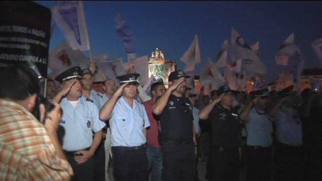 img_606X341_2909-Portugal-Police-PROTEST.jpg