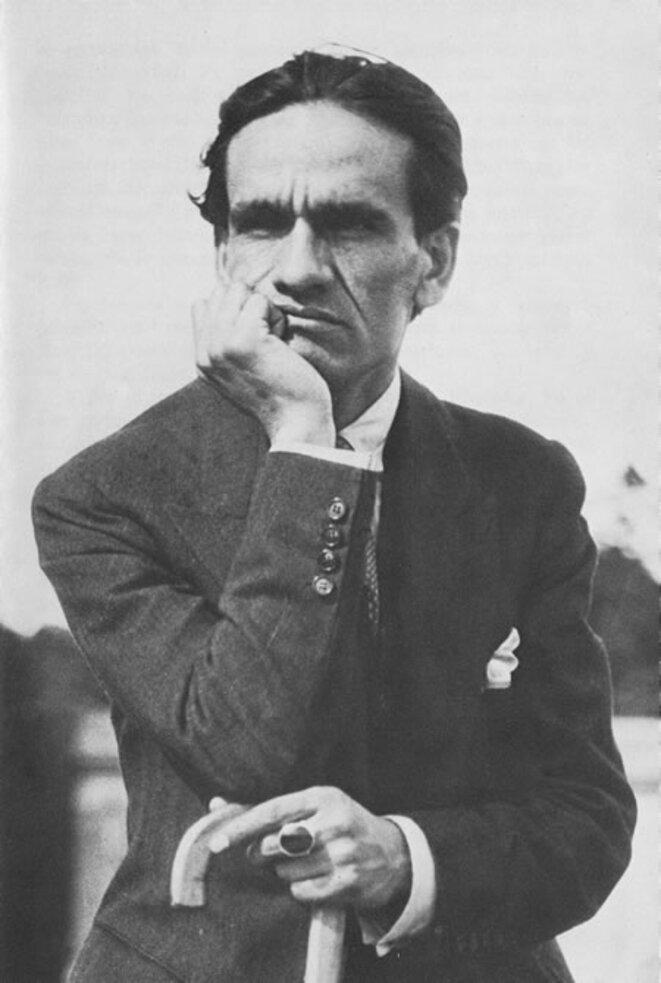 César Vallejo : le sésame humain de la poésie  dans Auteurs, écrivains, polygraphes, nègres, etc. Vallejo_-couve
