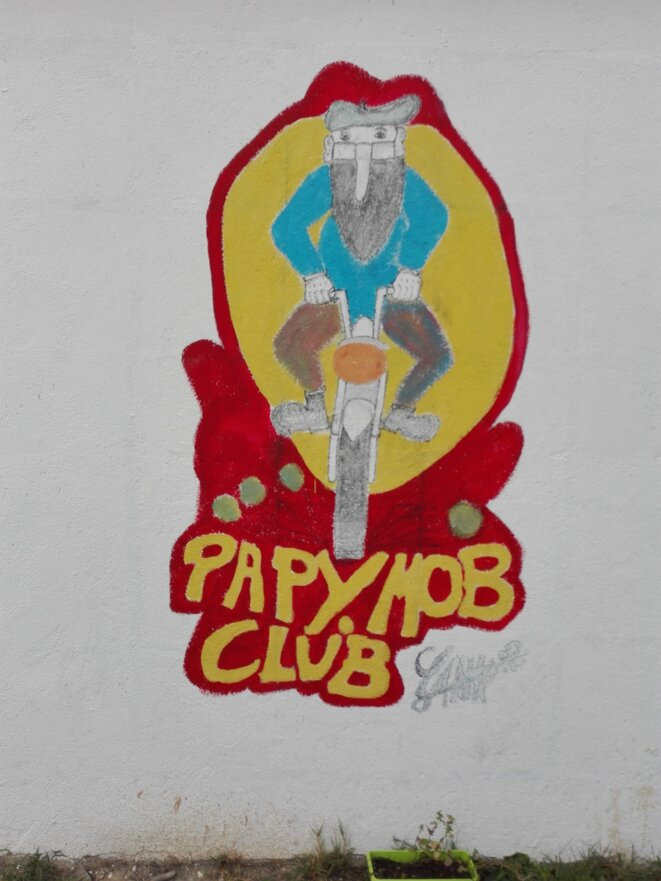Les vieilles mobylettes à l'honneur avec les Papy Mob's de Quillan!