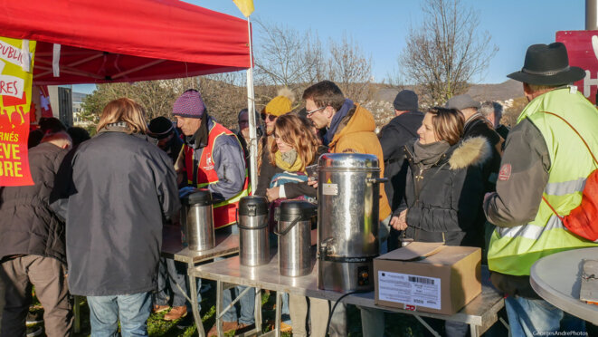 Massive mobilisation syndicale à Clermont contre la retraite pour des nèfles
