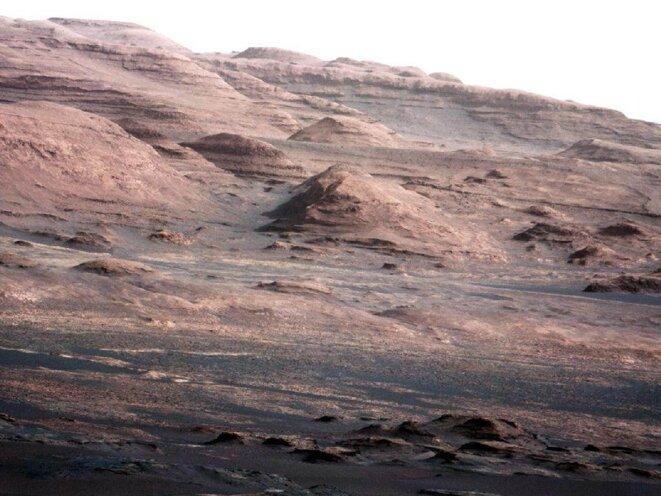 Sur Mars, Curiosity à l'assaut du Mont Sharp