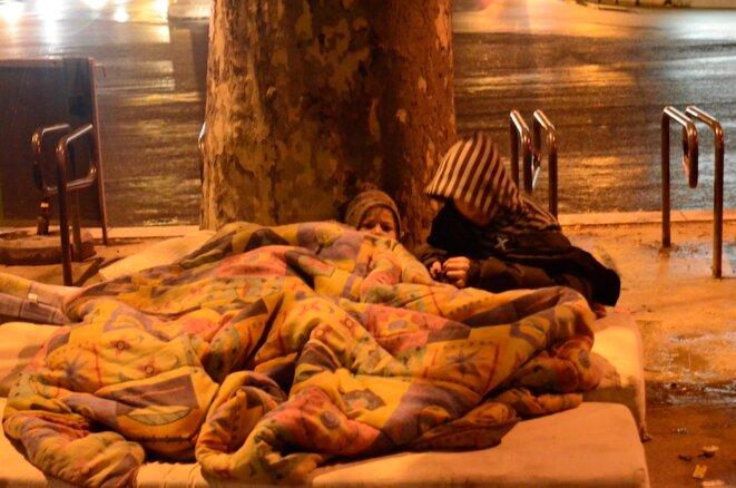 Roms en détresse au cœur de Paris