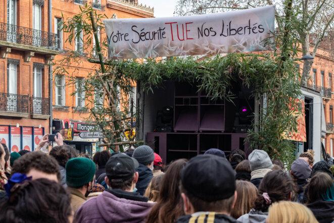Mépris et répression pour la manif' festive en soutien aux teufeurs de Lieuron