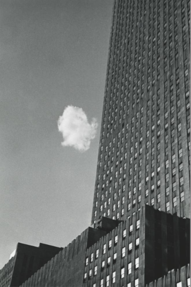 Le Nuage égaré New York, 1937 André Kertész Épreuve gélatino-argentique, tirée dans les années 1970 25,2 x 20,3 cm Courtesy Sarah Morthland Gallery, New York