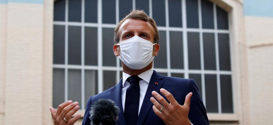 Submergé par la vague, Macron reconfine