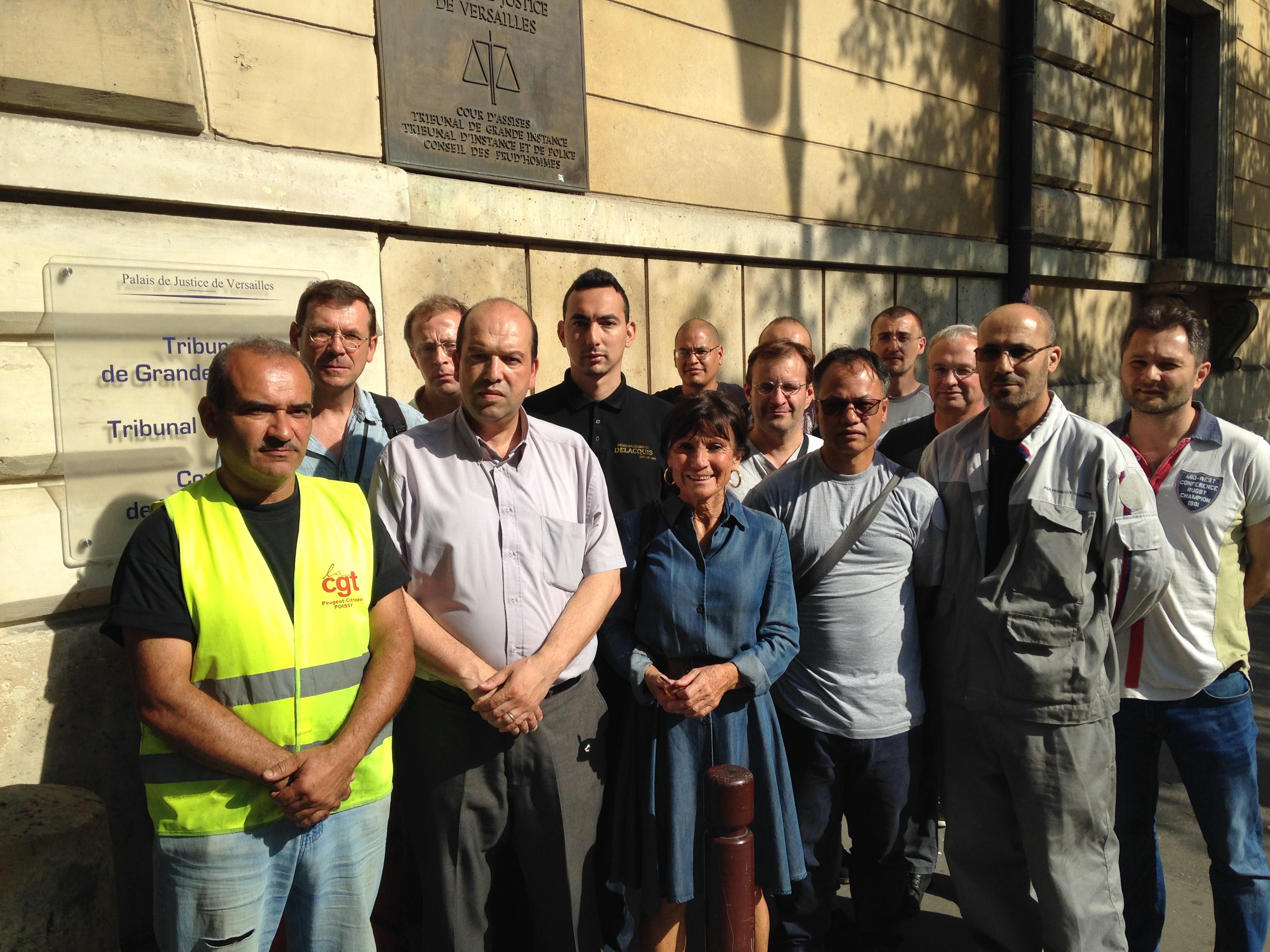 """La CGT dénonce une """"criminalisation de l'action syndicale"""" chez PSA"""