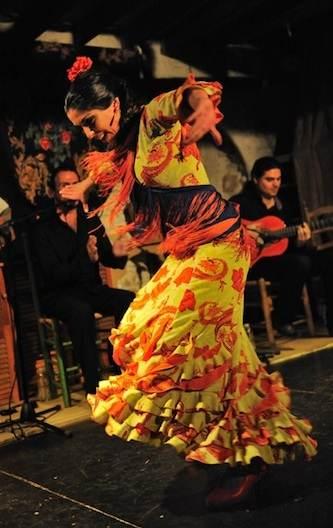 La danseuse Alejandra Hernandez et le guitariste Victor Marquez     © Christian Bamale