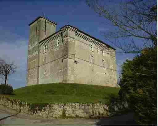 Chateau_Plieux.jpg