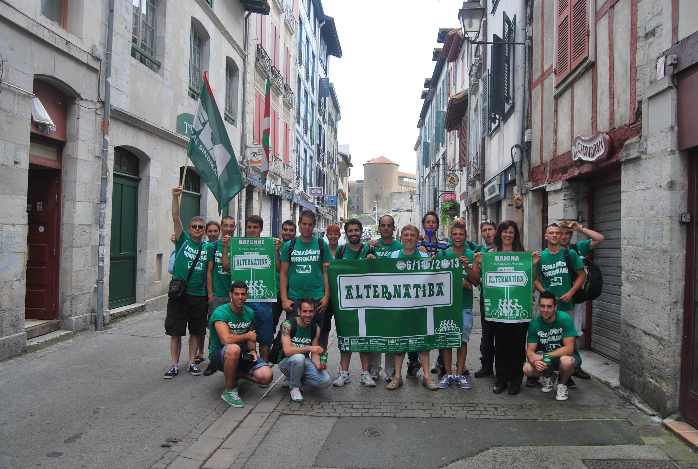 es travailleurs de Feu Vert, en grève depuis 200 jours, appellent à Alternatiba