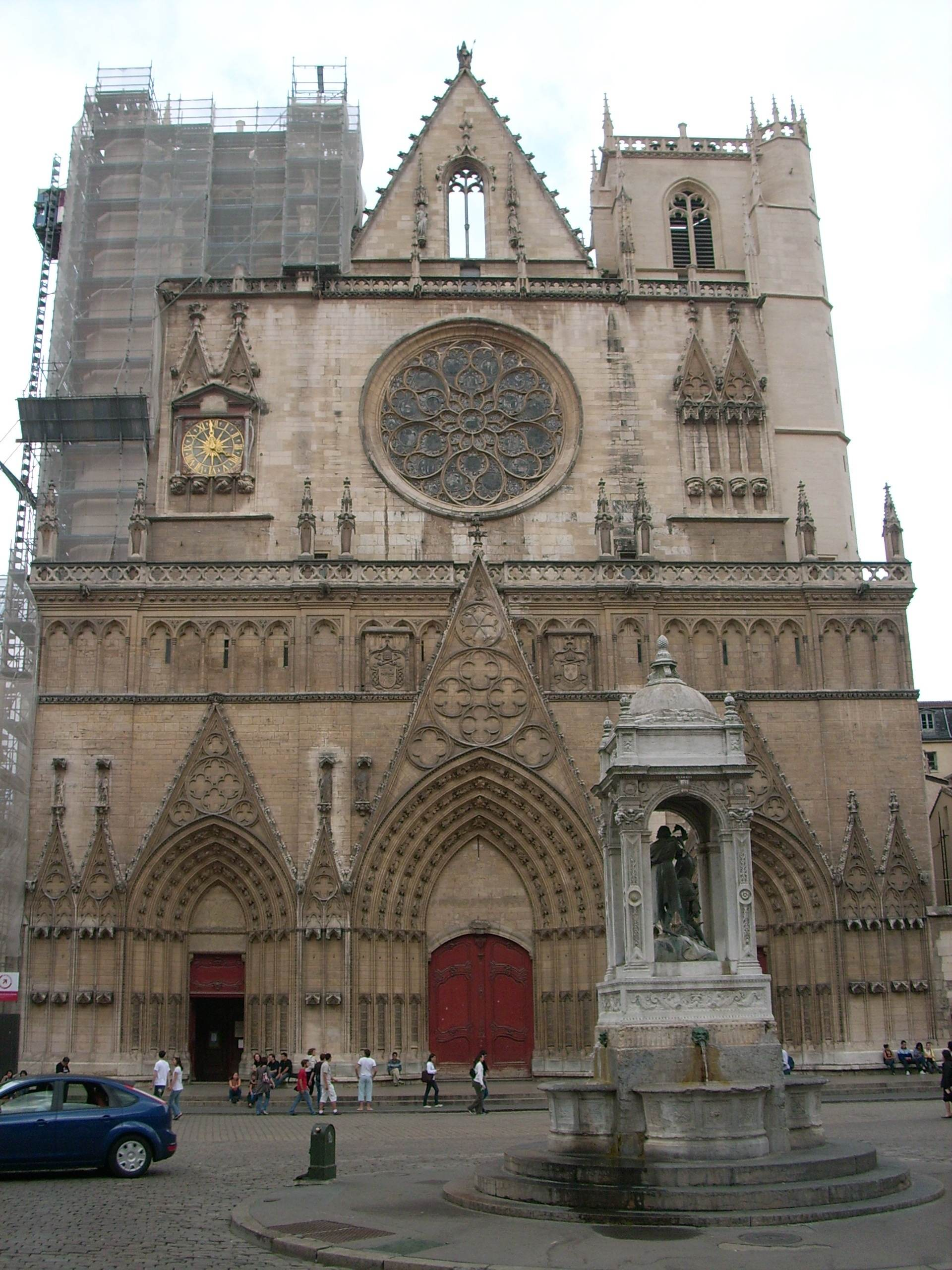 Cathédrale Saint Jean . Photo : Ph L
