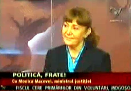 """Monica Macovei. """"Bucarest est au bord de la guerre civile"""""""