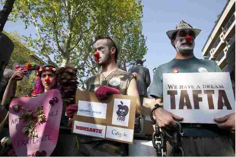 Manifestation_Paris_anti-TAFTA.jpg