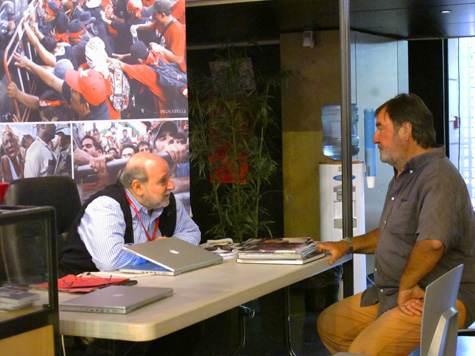 Perpignan sept. 2010, Henri Bureau en discussion avec un autre ancien de Sygma Jean-Pierre Pappis