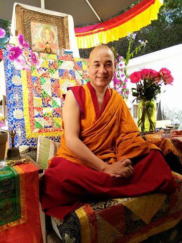 Les voeux de Phakyab Rinpoche dans Tibet 10923331_10203768024788464_4690975437900420986_n
