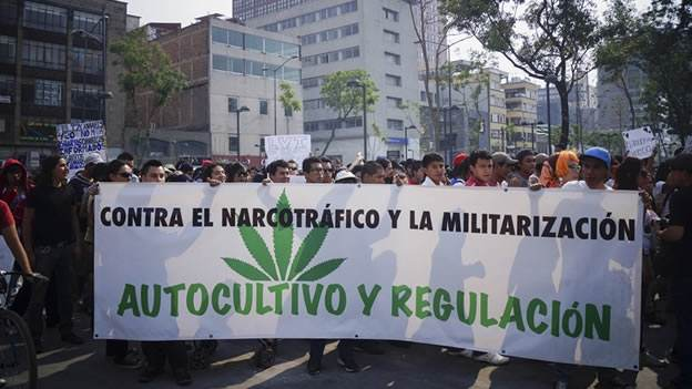 Manifestation à Mexico en 2013 pour soutenir le projet du district fédéral