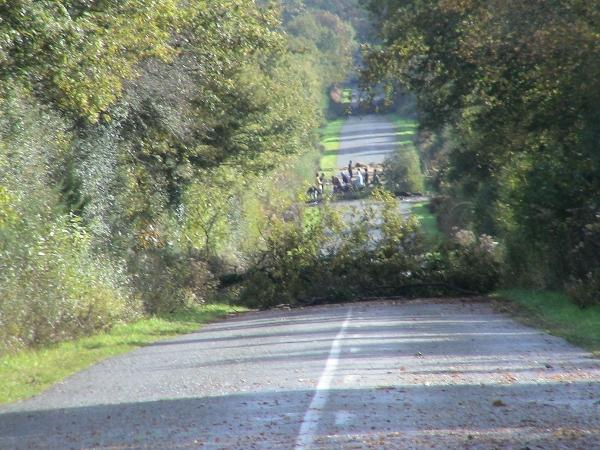 Samedi, 3 barricades sur la route entre les Ardillères et le croisement des Fosses-Noires