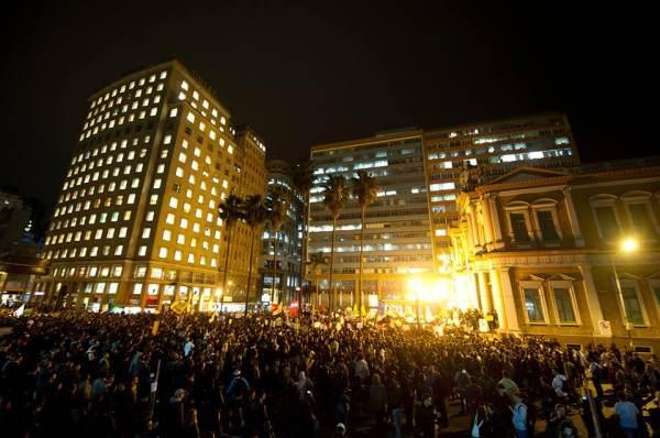manifestations à Porto Alegre, le 17/06 au soir