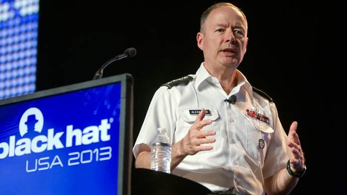 Le directeur de la NSA Keith Alexander lors de la conférence de hackers Blackhat 2013