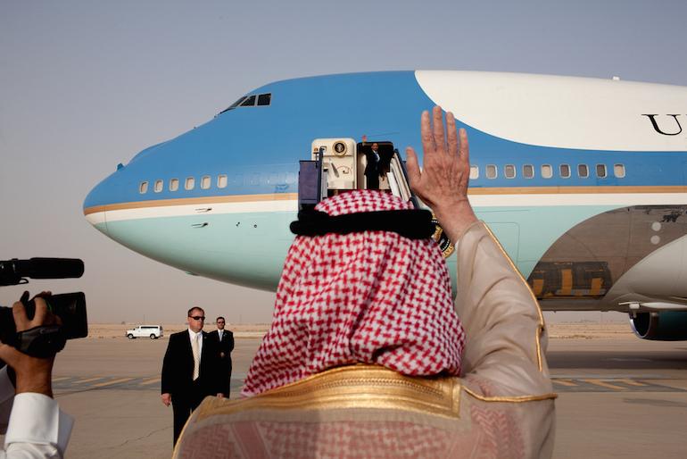 Obama repartant d'Arabie saoudite après une visite en 2009.