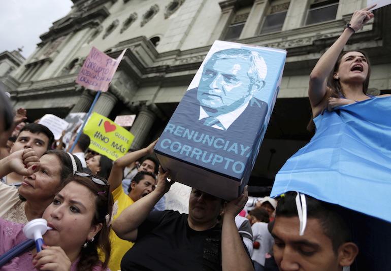 Manifestation contre la corruption appelant à la démission du président Perez Molina.