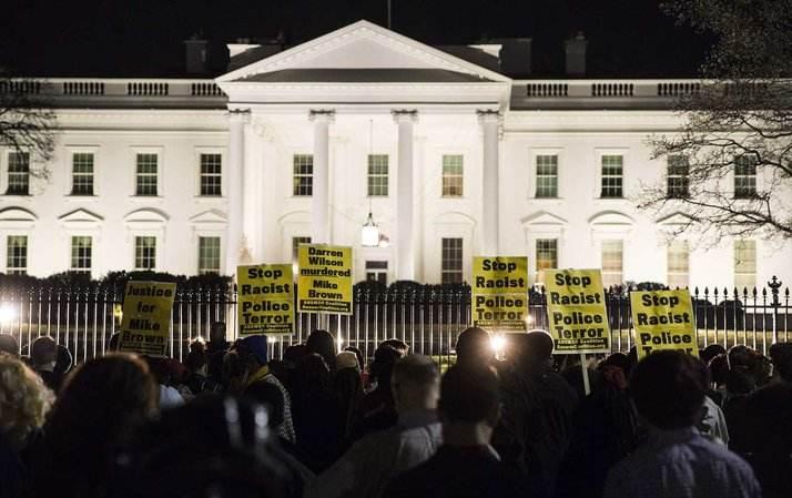 Rassemblement devant la Maison Blanche après le verdict