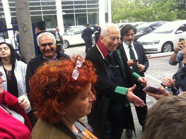 Alp Selek, père de Pinar Selek devant le tribunal