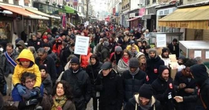 500 personnes manifestent dans les rues de Montreuil en soutien au Méliès, le 19 janvier 2013 (DR)