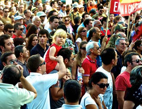 A Lisbonne, le 15 septembre, la manifestation s'achève symboliquement place d'Espagne.